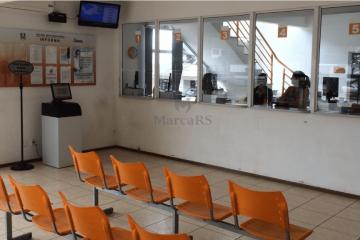 Sala de Atendimento com Impressora de senhas multifuncional e chamda pela tv